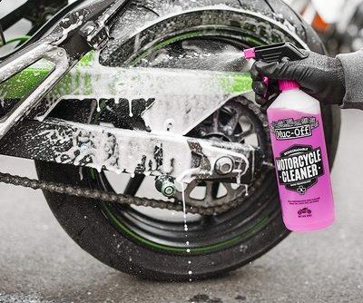 Produits nettoyage motos