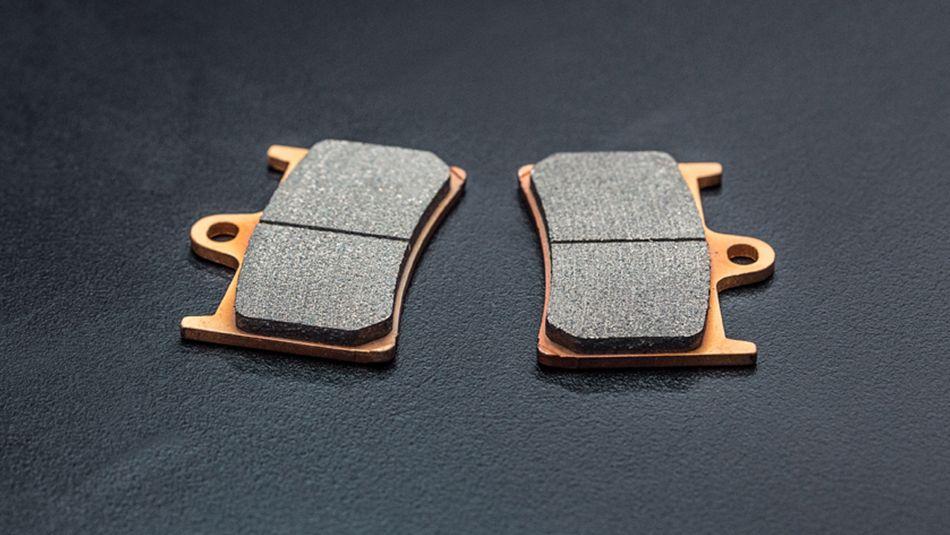 Plaquettes de frein Yamaha VS plaquettes adaptables
