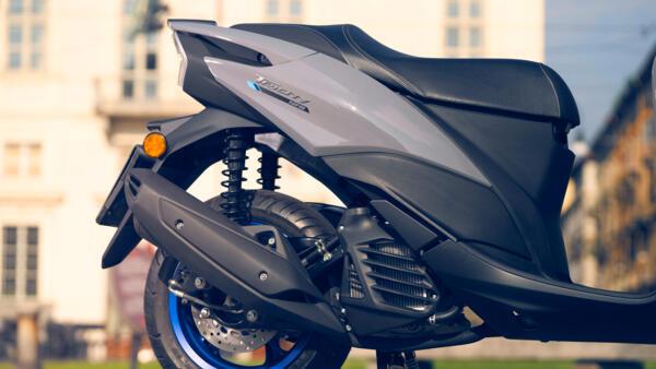 position de conduite et confort du Yamaha 125 TRICITY