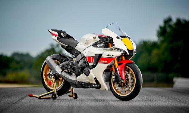 Vetements Yamaha 60 éme anniversaire MOTOGP
